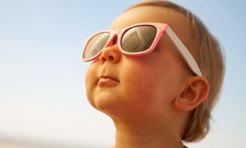 Sole, zanzare e mal d'auto: cosa fare per i nostri bambini